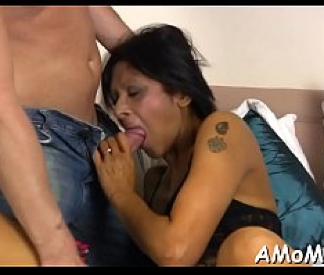 Hot Mama Is Fingered And Fucked