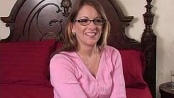 Bokep Desperate Amateurs - Devine Squirts One First Time