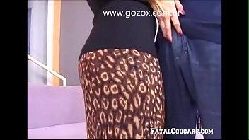 Bokep Sex Coroa casada provocando encanador - www.gozox.com.br