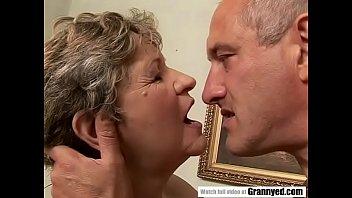 Video Porno Old woman fucked hard