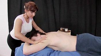 Bokep Big Booty Latina Immigrant Fucks Her Massage Client