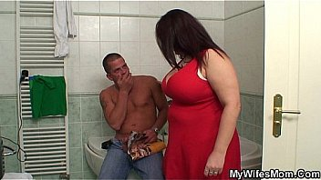 Bokep Busty mom and boyfriend in the bathroom