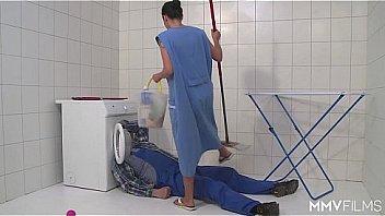 Bokep MMV FILMS German Mom draining the plumber