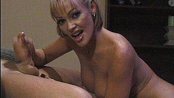 Porno Metro - Handjob Hunnies 02 - scene 10 - extract 1