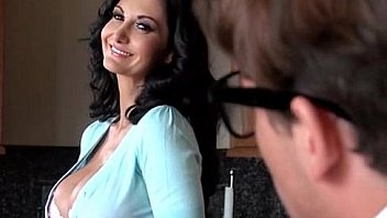 Hilarious - Geek Creates Android of Friend's Hot m. - Ava Addams