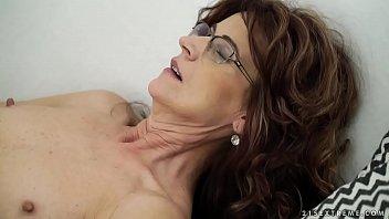 Bokep Sexy sugar mama on younger dick - Lusty Grandmas