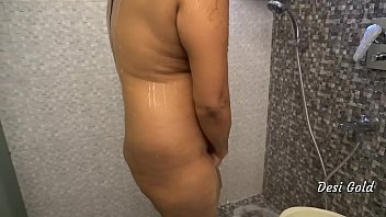 Bokep Sex Sexy Indian Women Shower in Bathroom At Home
