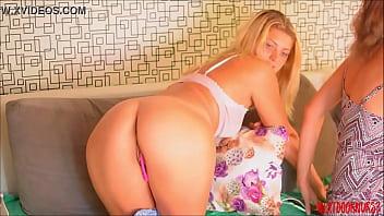 Bokep ️Meine Mitbewohnerin und ihr BF hier? Er macht mich geil ... üppige Ohibib #pussy #ass #liebe #großbobs #ohmibod #lush #cum #fuckme #interactivetoy #boobs #wet