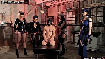 Bokep Femdom gang bang four gorgeous Dommes