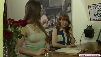 Bokep Busty redhead and her new best friend are in the motel to meet someone.They go to the room of the person.After that,the person leaves them for a moment.They start kissing each other and they lick each others ass and pussy on the bed.
