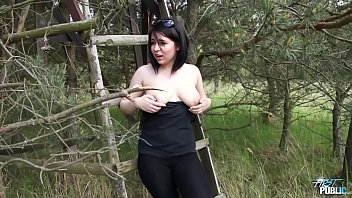 Big ass chubby babe rock the cock outdoor