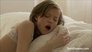 Bokep Cute Teen Girl Enjoys Fucked Hard