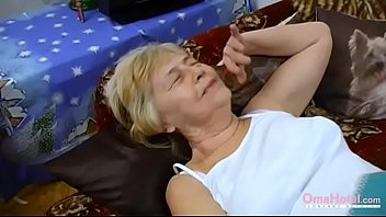 Bokep OmaHoteL Homemade Amateur Old Granny Compilation