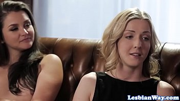 Beautiful lesbian pussylicking in threeway
