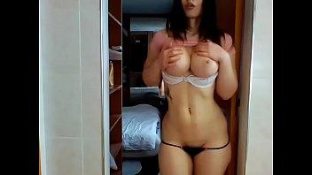 Sexy big tits amateur plays webcam porn