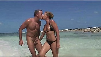 Bokep She's a blonde whore fucked doggystyle on the beach