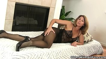 Bokep Glorious milfs from the USA: Helena, Niki and Jessica
