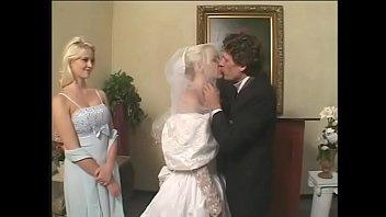 Bokep Satin wedding dress DP