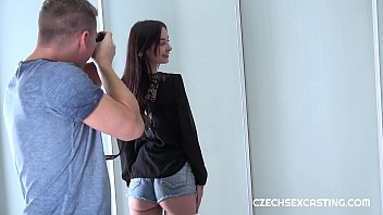 Video Ngentot Freya Dee is a nice Slovak girl in need of a good income. She heard porn pays well, so she wants to give it a shot. Watch her first porn audition.