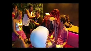 Porno Bokep Carnaval Xvideos 2020 c/ Melissa Alecxander, Roberto Alecxander, Melissa Devassa, El Toro de Oro, Bruxo Fire, Fada Mel e Participação Especial Paty Bumbum,