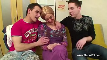 Bokep Russian mom have an anal dp