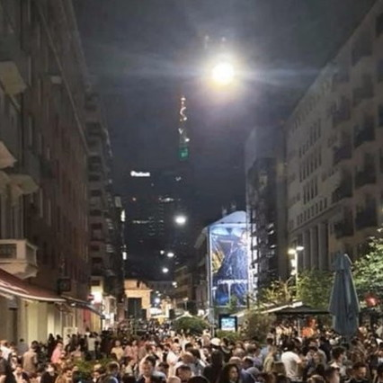 Phase 2, the director Gabriele Muccino tweets a photo of the nightlife: