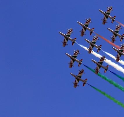 Giro d'Italia of the tricolor arrows, also fly over Codogno: a tribute to the victims of the coronavirus