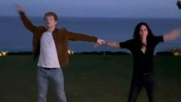 Ed Sheeran e Courteney Cox ballano insieme…ma il finale è a sorpresa