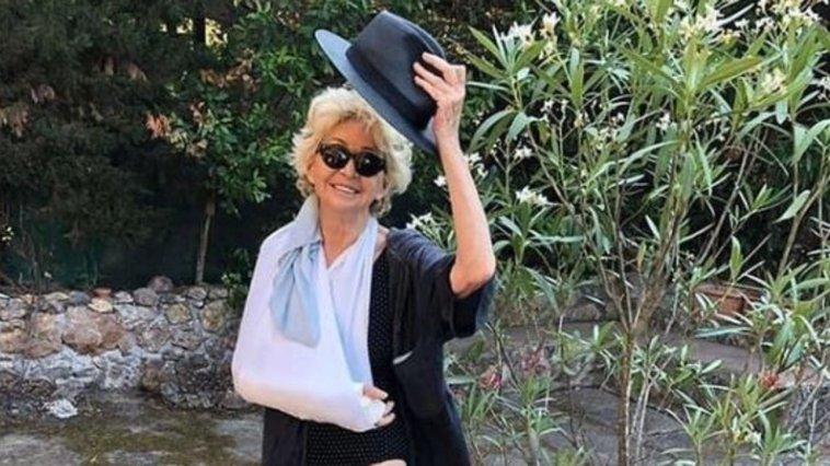 """Enrica Bonaccorticade dalle scale in vacanza: """"Notte al pronto soccorso e poi gesso…"""""""