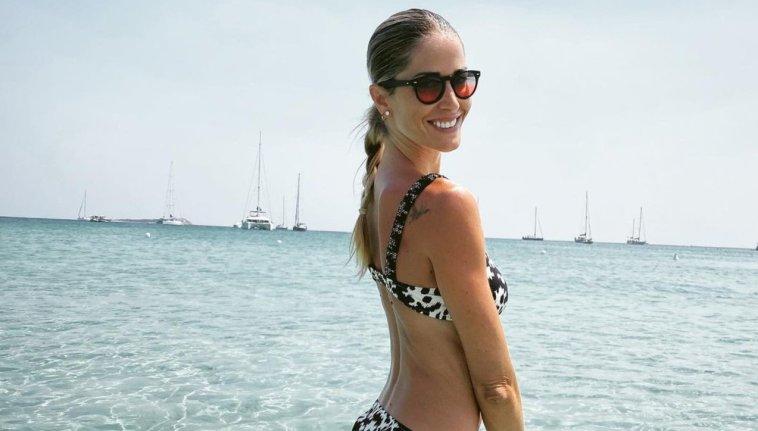 Elena Santarelli compie 40 anni, ma sfoggia curve da ragazzina