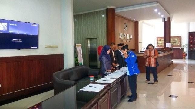 Suasana di DPRD Kota Malang jelang pelantikan 40 anggota hasil PAW. (Foto: Avirista Midaada/Okezone)