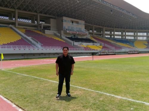 Erik Thohir di Stadion Manahan