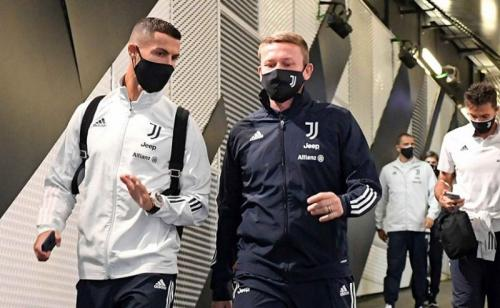 Skuad Juventus sudah datang di Stadion Allianz