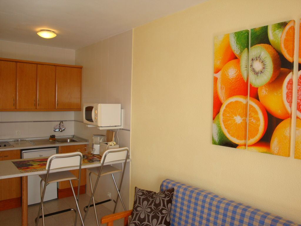 Busca apartamentos baratos en maspalomas, en cualquiera de estas tres zonas y podrás tener la playa a solo unos pasos. Apartamentos en Maspalomas ·【Alojamiento Hundredrooms】