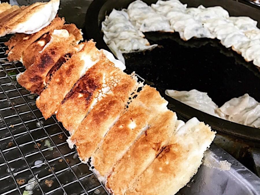 (台南美食/中西區)幸福鍋貼~吃了會幸福的鍋貼,學生最愛平價美食,必點鍋貼和古早味蔬菜煎餅!