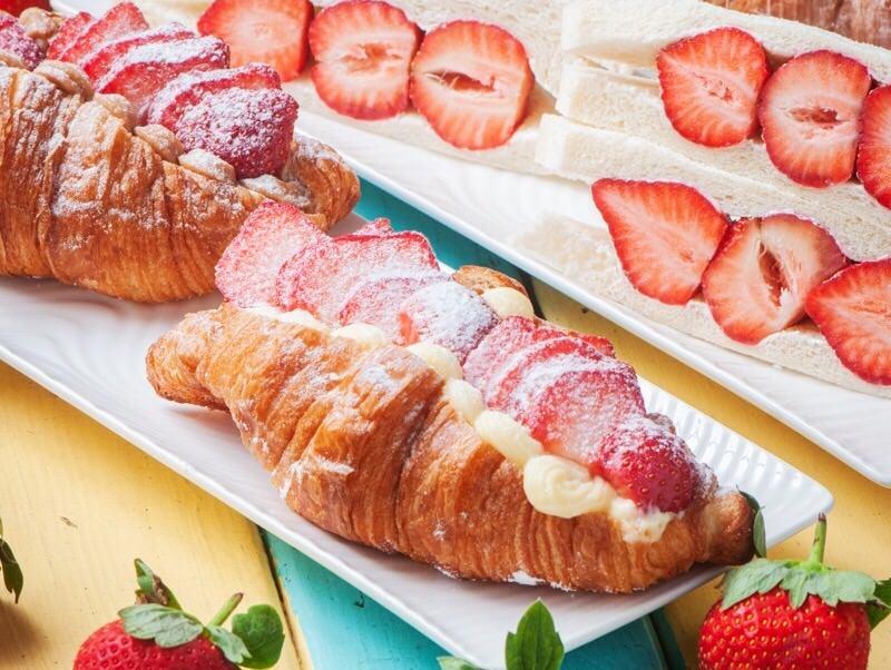 (台南美食/仁德區)【小公主的棒棒糖】冬季限量推出!比手掌還要大的卡士達草莓可頌,一份只賣$65元 ! 買到賺到!