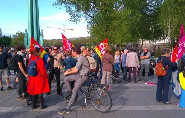 Rassemblement devant la préfecture à Nantes le 10 mai 2016