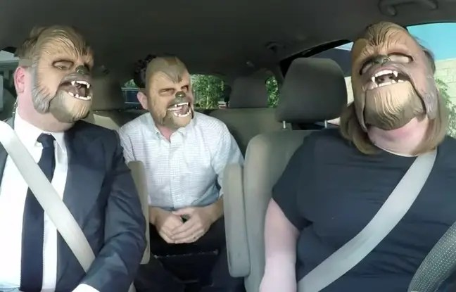 Sketch avec Candace Payne, James Corden et J. J. Abrams pour le «Carpool Karaoke», diffusé le 23 mai 2016 sur CBS, aux Etats-Unis.