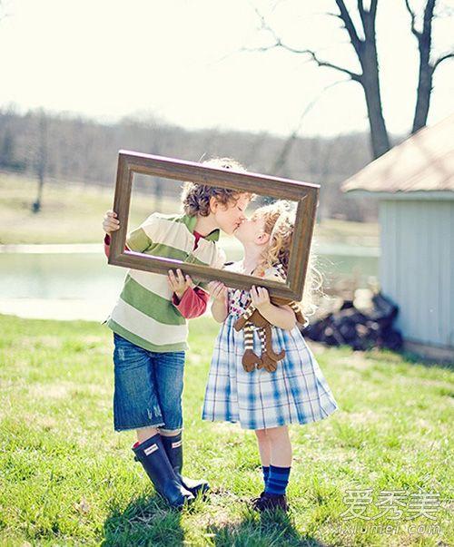 雙子女喜歡一個人的表現 雙子女喜歡啥樣的男生 - 天天運勢