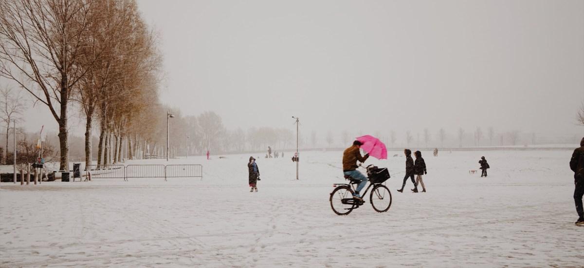 歐洲十日遊日記|Day4,大雪紛飛日,SEAFOOD BAR與冰窖喝酒體驗、安妮之家