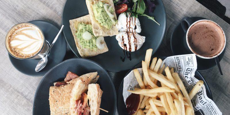 澳洲黃金海岸旅行|清爽好吃的早午餐咖啡廳LOT1