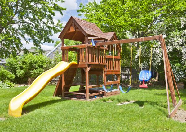дизайн дачного участка с детской площадкой 7