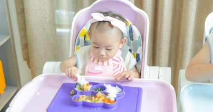 【寶寶吃飯、爸媽輕鬆|美國ezpz快樂吸盤餐盤餐碗】