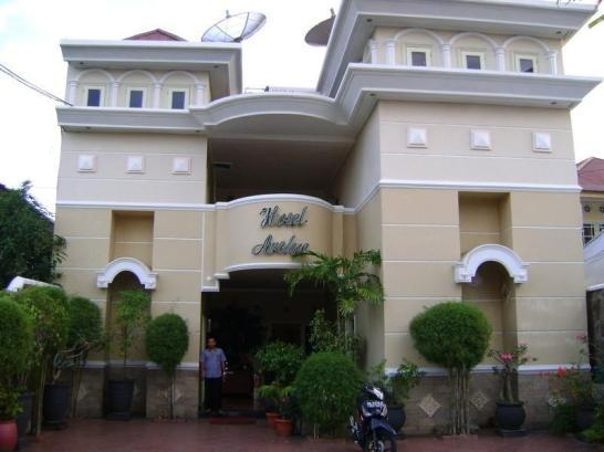 Archie Hotel1