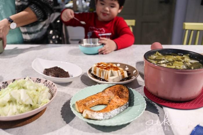 【中式料理】酸菜肉片湯,嗜酸者的好湯。