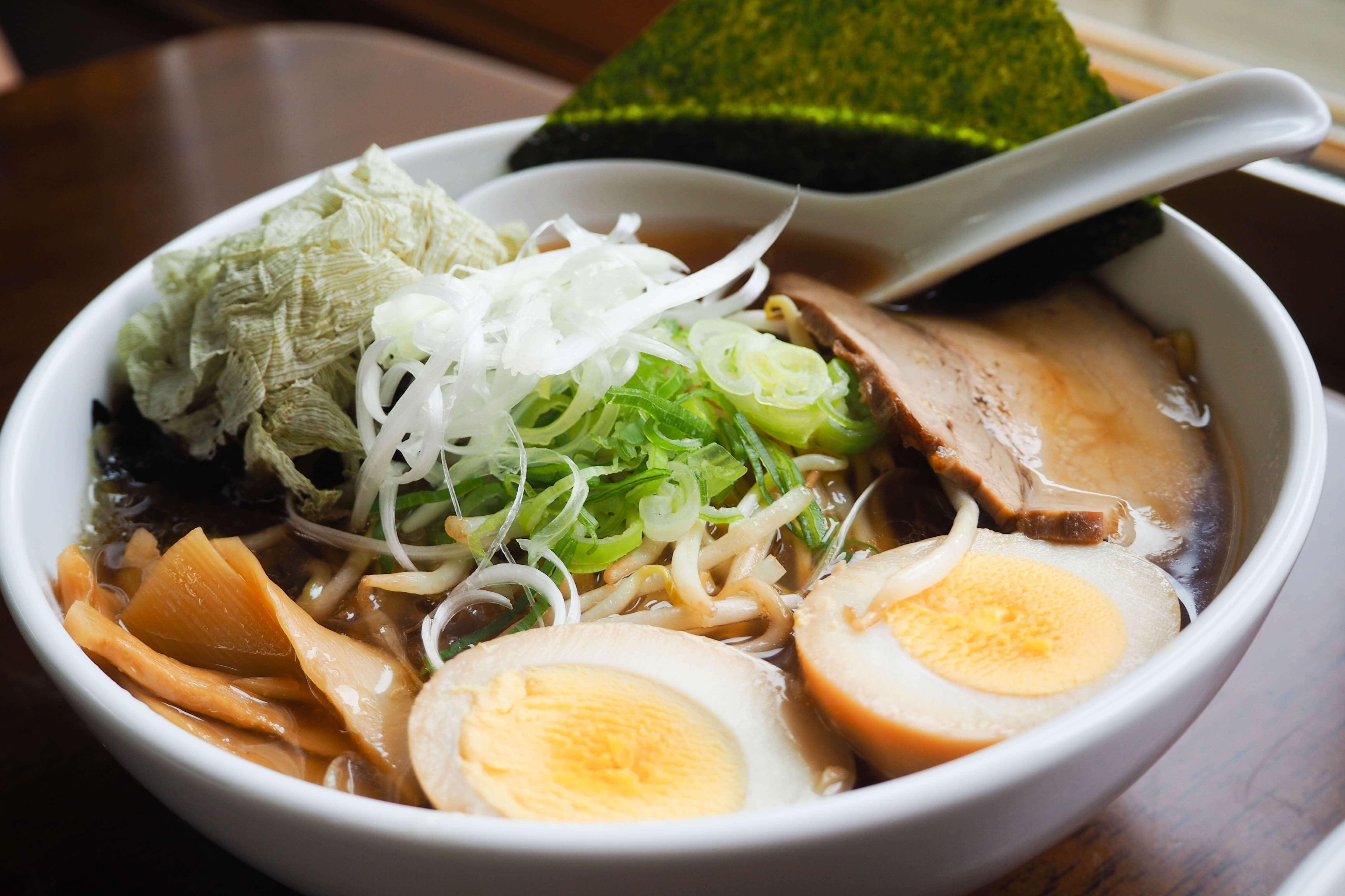 北海道稚內利尻島⎮最難到訪的米其林拉麵店 味樂拉麵 - Chien倩。日日常