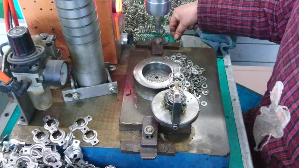 medium resolution of 2120031u03 renault parts engine coolant thermostat