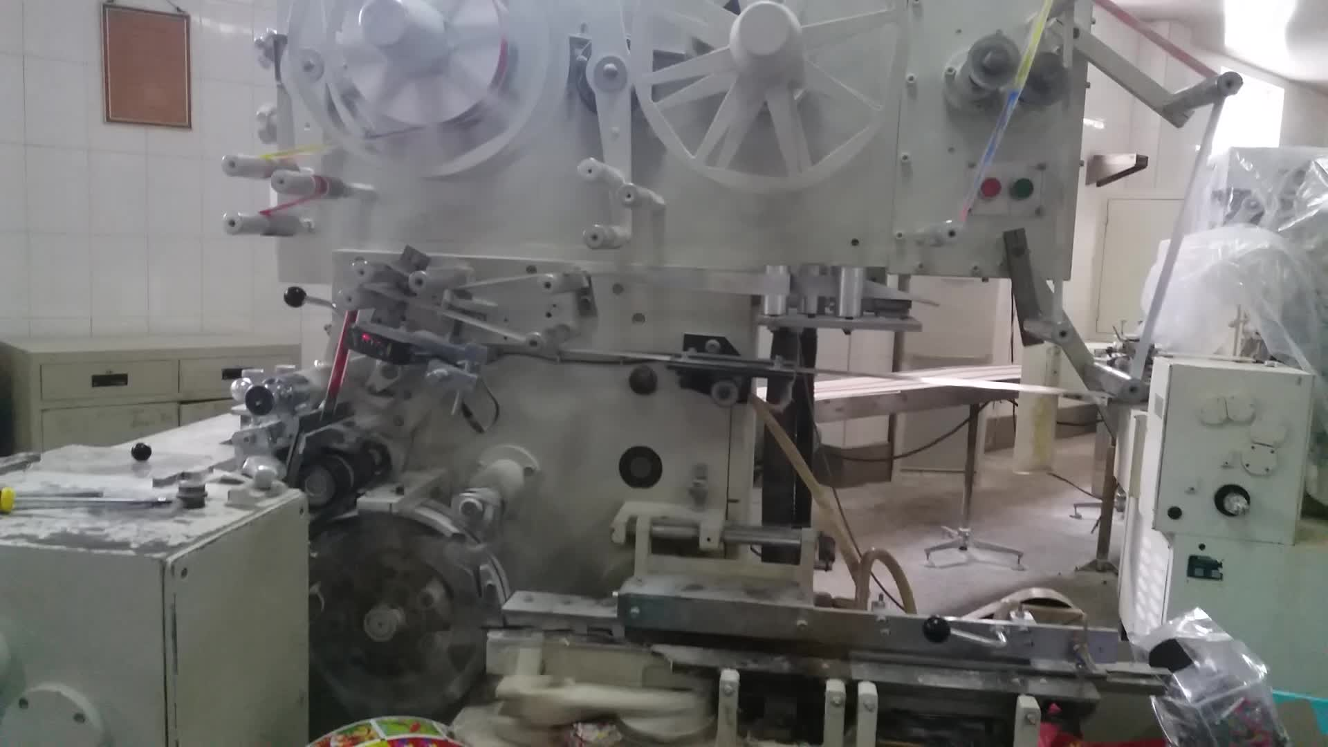Factory Price Bubble Gum Packing Machine Cut And Wrap
