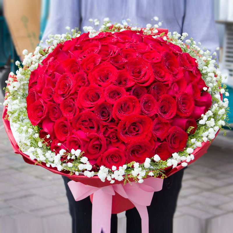 red champagne rose bouquet