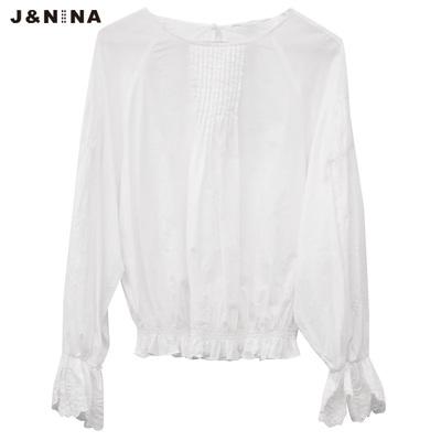 jnina郭佩玲春夏新品純色簡約喇叭袖鬆緊收腰上衣女